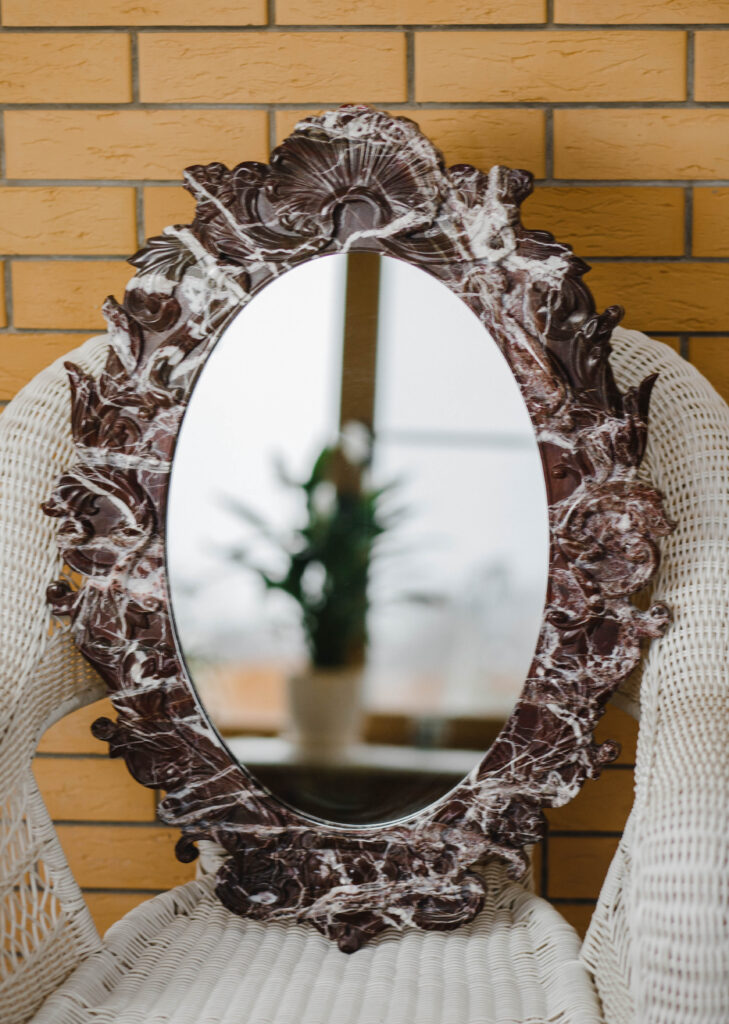 Зеркало из мрамора №13