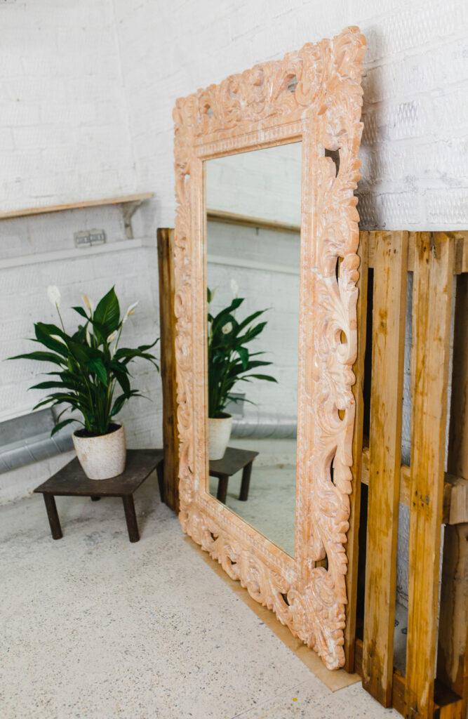Зеркало из мрамора №15