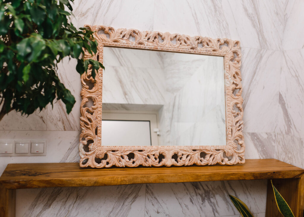Зеркало из мрамора №18