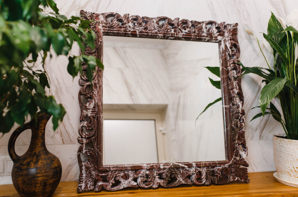 Зеркало из мрамора №20