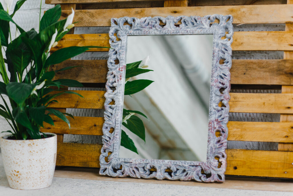Зеркало из мрамора №30